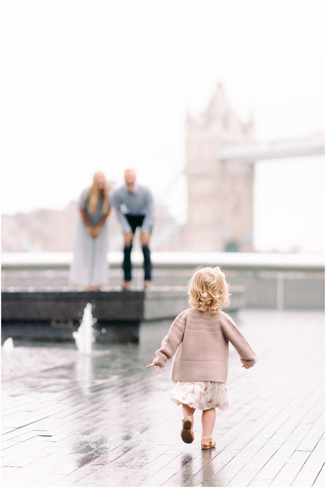 London family photographer, Tower Bridge - family - London family photographer Tower Bridge family shoot Nkimaphotography 0007